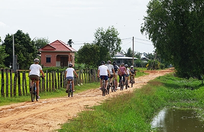 The South-West Countryside of Siem Reap( 2 people up)