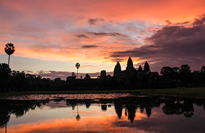 Angkor Wat Sunrise Bayon Ta Prohm  By Bike